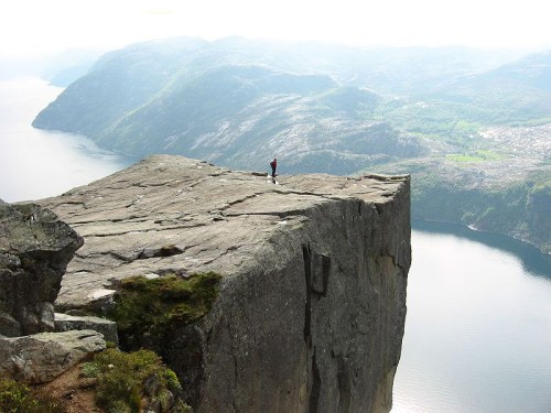 alone_on_preikestolen