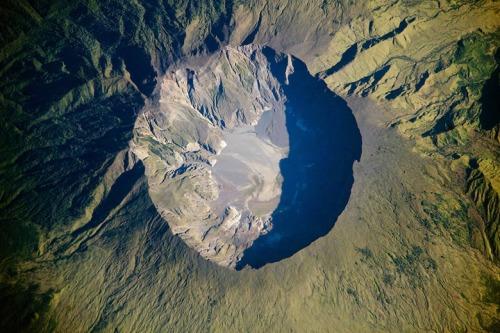 tambora-volcano